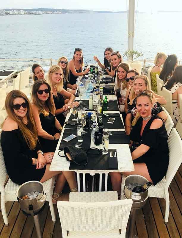 Chicas de Ibiza